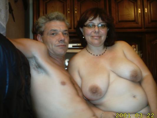 Parejas jóvenes desnudas